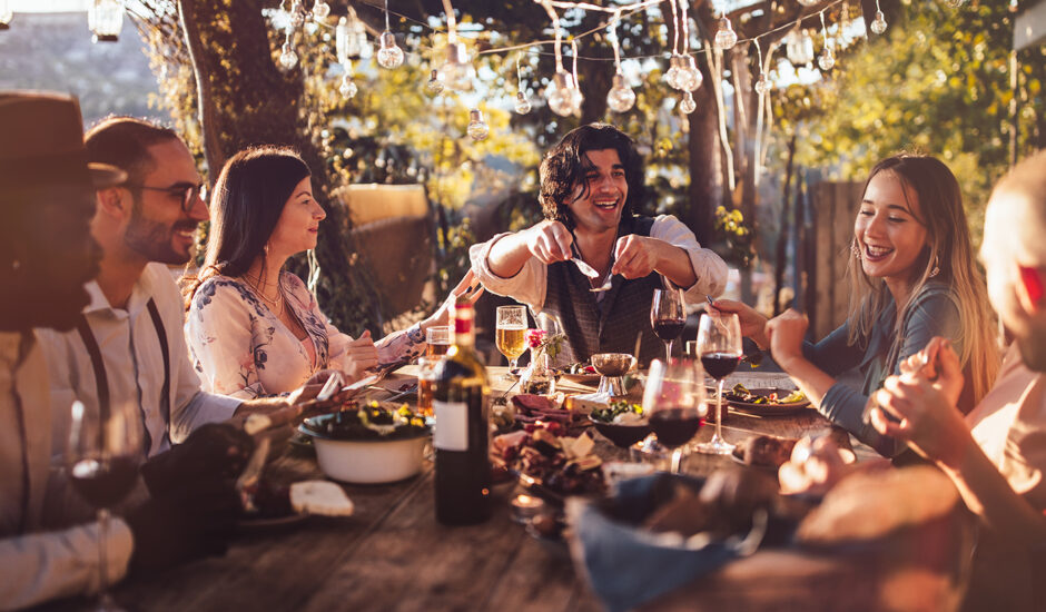 How to Dine Al Fresco Like You're on the Mediterranean